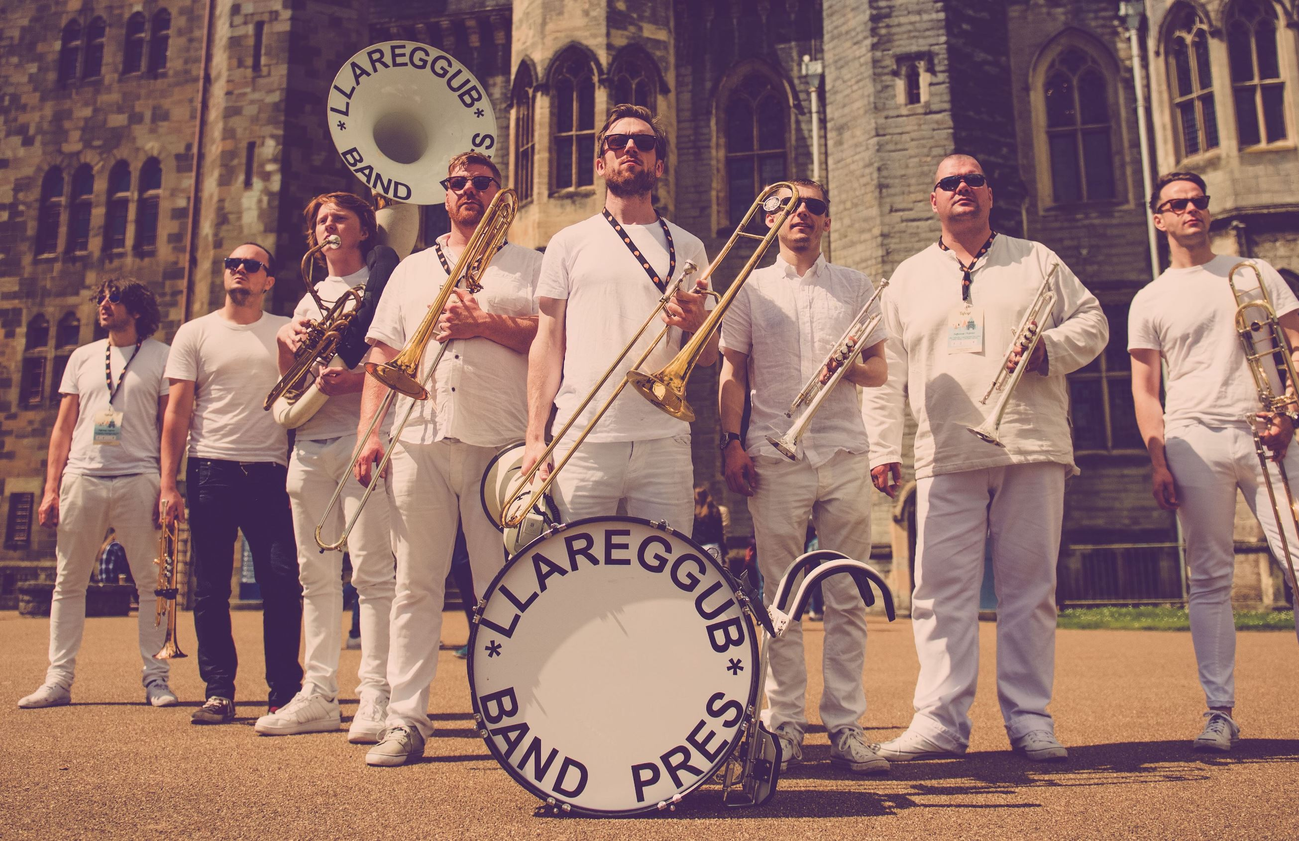 BAND PRES LLAREGGUB - Photo - Cardiff_Castle_2016_LLAREGGUB_edit